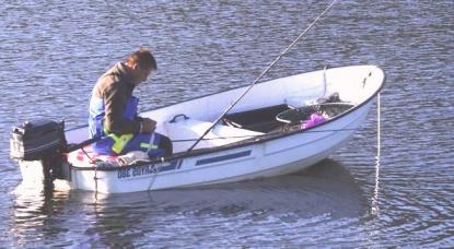 Män över 50 som fiskar från små öppna båtar i insjöar drunknar mest.