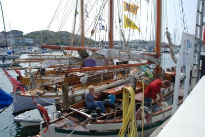 Utöver ett stort antal norska fritidsbåtar kom även en liten eskader norska skutor.