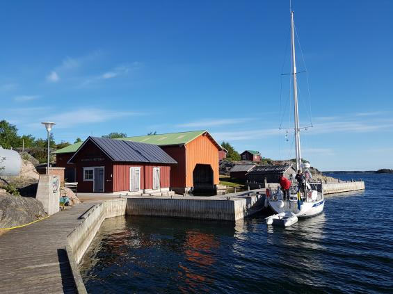 Berghamn.