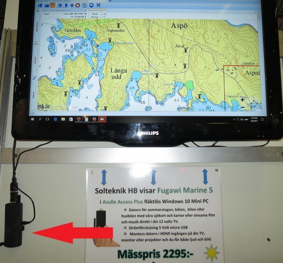 Datorn syns nere till vänster i bild. Mässpriset är 2 295 kronor.