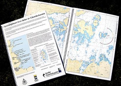 Specialbåtsportkortet innehåller sjökortsbilder från valda delar utmed kusten från Gävle och upp till Kusön utanför Axmar (söder om Storjungfrun).