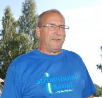Klaas Tolk är kanalens mästare och arbetar vintertid med bland annatatt bygga slussportar.Klaas är den som idag känner kanalen bäst och han möter gärna upp vid slussning och ger olika färdtips med mera.