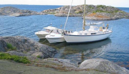 I naturhamnen eller vid bryggan, hur tar du dig ombord?