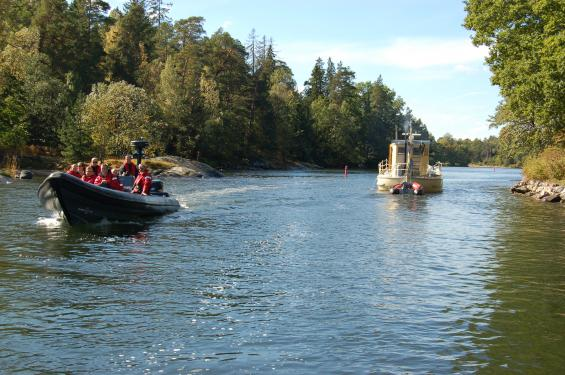 Sjöfartsverket kan få svårt att bekosta utprickning och muddring av kanaler och andra vattenvägar redan inom tre år om inte anslagen ökas enligt verkets anslagsframställan.