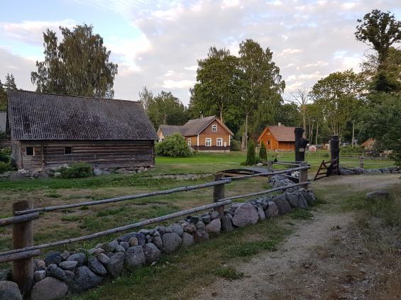 På Runö levde man på jordbruk och fiske. Byn består till stor del av gamla tidsenliga hus i renoverat skick.
