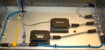 Certifierat NMEA 2000 nätverk. Gul kabel är spänningsmatning med 12 volt. Maretron säljer kabel på löpmeter och varje kabel skräddarsys på plats. Kontakterna monteras i efterhand. De är vattenskyddade till IP68.