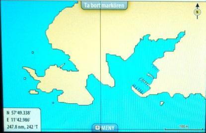 Tack vare snabb uppdatering kan Navionics sjökortsrättelser nå användarna. Här syns marinan. Zoomar man in mera framträder varje brygga tydligt.