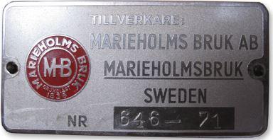 Sitter det en sådan här skylt på båten blir man glad. En Marieholmare tillverkad 1971, här finns mycket nostalgi!