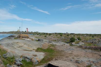 På Utös södra del finns många rester från krigen. Här skyddade finska soldater Finland från ryssen.