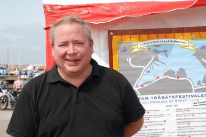 Kommunalrådet Martin Johansen gläds åt träbåtsfestivalen.