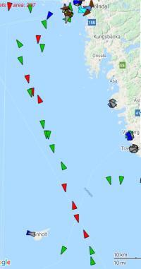 Fartyg som idag går i rutt T. Efter 1 juli kommer fler att röra sig närmare svenska kusten.