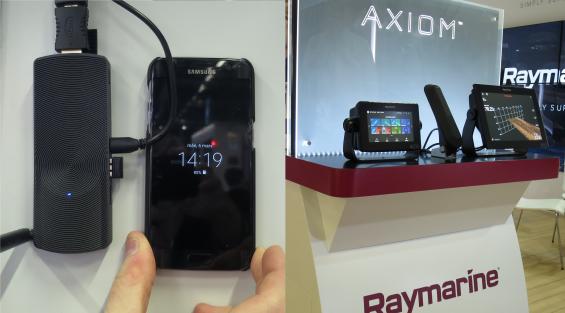Till vänster syns den lilla PC:n Azulle Access Plus. Mindre än en mobiltelefon, men obetydligt tjockare.
