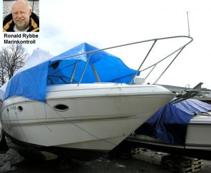 Den här båten såg fin ut på håll. Ronald Rybbe hittade mängder med fel som tyder på att båten kan ha varit sjunken. Ronald Rybbe är besiktningsman och driver Marinkontroll AB.