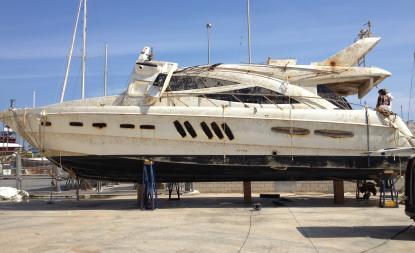 Den stora motoryachten sjönk i augusti 2012 på 110 meters djup i Medelhavet. I april bärgades skeppet. Varför sjönk hon?