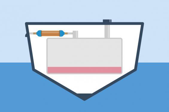 Genom att montera en tanklufttorkare på avluftningsledningens slang undviks problemet enligt Stefan Berg. Lufttorkaren innehåller kiselgel och när luften sugs genom lufttorkaren absorberas fukten och ingen fukt hamnar i tanken. Utan fukt och vatten blir det heller ingen tillväxt av mikrober. Lufttorkaren syns i bilden ovanför tanken.