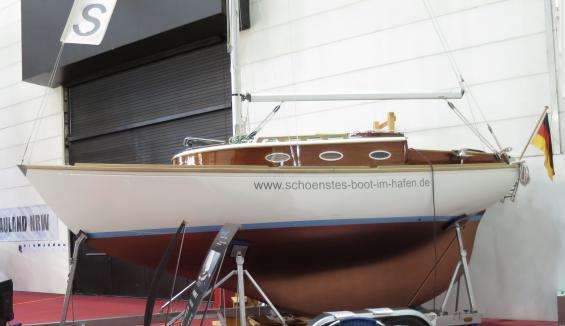 Det finns fortfarande varv som bygger långkölade båtar, men de är inte många och serierna är små.