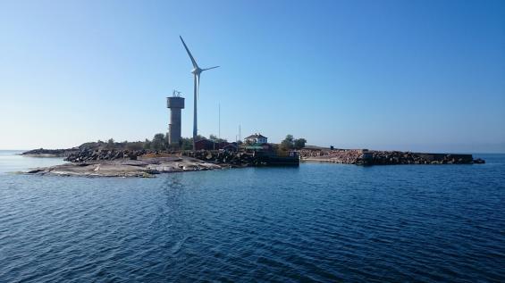 Insegling mot Lilla Båtskär. Ålands sydvästligaste hörn.
