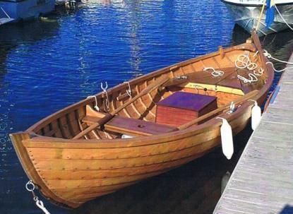 Lite udda är en 16 fots motorsnipa ritad av Tore Herlin 1933. Den byggs numera av Snickeri Träbåten i Kramfors. Motorn är en helt ny Albin O11 som Sant Anna Marin byggt.