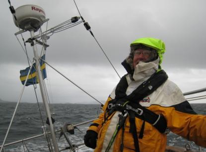 När himlen är grå och vågorna piskarögonen vid norska atlantkusten,då är det inte kul att prickar plötsligt inte finns i navigatorns digitala sjökort vittnar Stig Eriksson om.