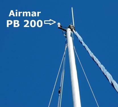 Airmar PB 200 är en bra väderstation i masttoppen, men som GPS-mottagare är den för bra för att fungera bra. 10 gånger per sekund uppdaterar sig GPS-antennen.