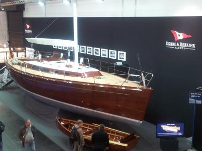 En bjässe på närmare 50 fot. Helt i trä. Baum & König har mer information. www.classic-yachts.de