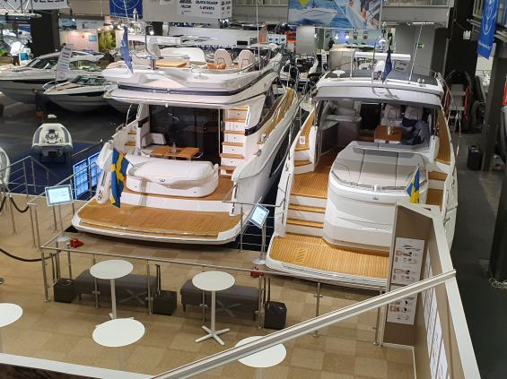 Båtmässan två flaggskepp bland motorbåtarna är Princess 45 och V50 på 15,5 meter.