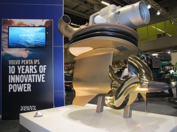 IPS är tillverkat i mer än 16 000 exemplar och sitter idag på över 1 100 olika båtmodeller.
