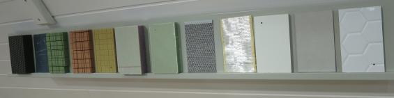 I montern fanns bitar som visar det material som användts till skrov, däck och inredning och hur det är uppbyggt.