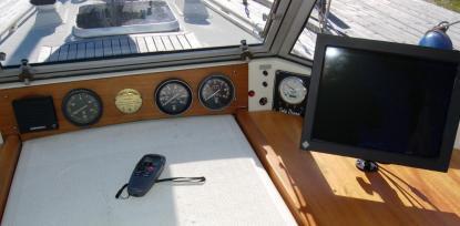 Seacross 15 tums bildskärm ger oss all information utom från motorn. Det beror på att motorninte är en \