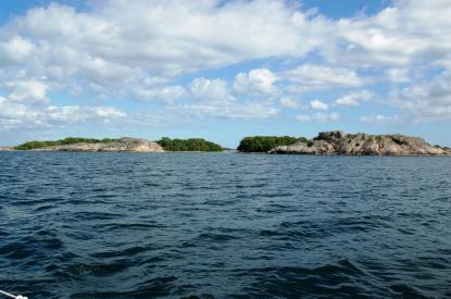 Norra Åland har en enastående skärgårdsnatur. Men hur når vi den? Jag saknar bra hamnguider och specialsjökort över Åland. Visst är det dags att Åland bjuder tillbaka?