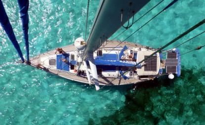 All stående rigg (vant och stag, inte masten)byts vart tionde år. Inte nödvändigt för en normal fritidsbåt som i snitt seglas under 300 sjömil per år, men den som seglar över 7 500 sjömil per år bör lägga in det i kalkylen.