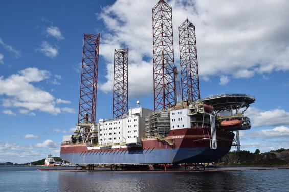 Bostadsplattform inne för service i Arendal. De är enormt stora!