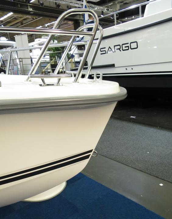 Ryds gör också snygga designade båtar idag. På Ryds och Nordkapp med flera fabrikat har man förstått hur en förstäv ska se ut.